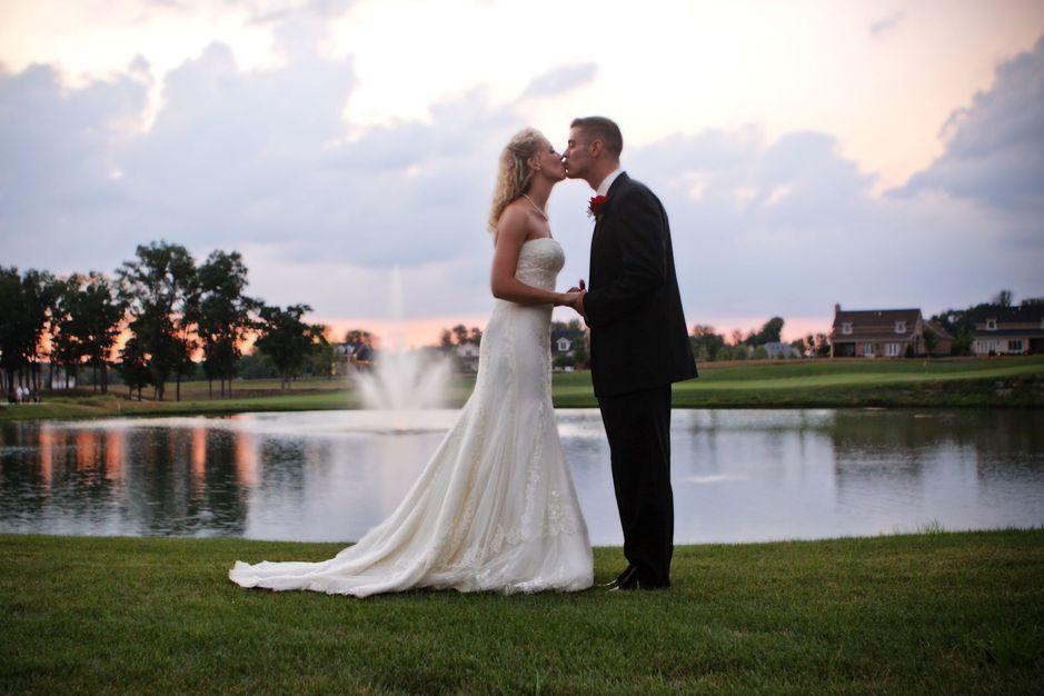 The club at olde stone best wedding reception location for Popular wedding registry locations