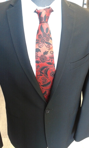 Dress & Apparel in Peoria - Ties That Bind Store