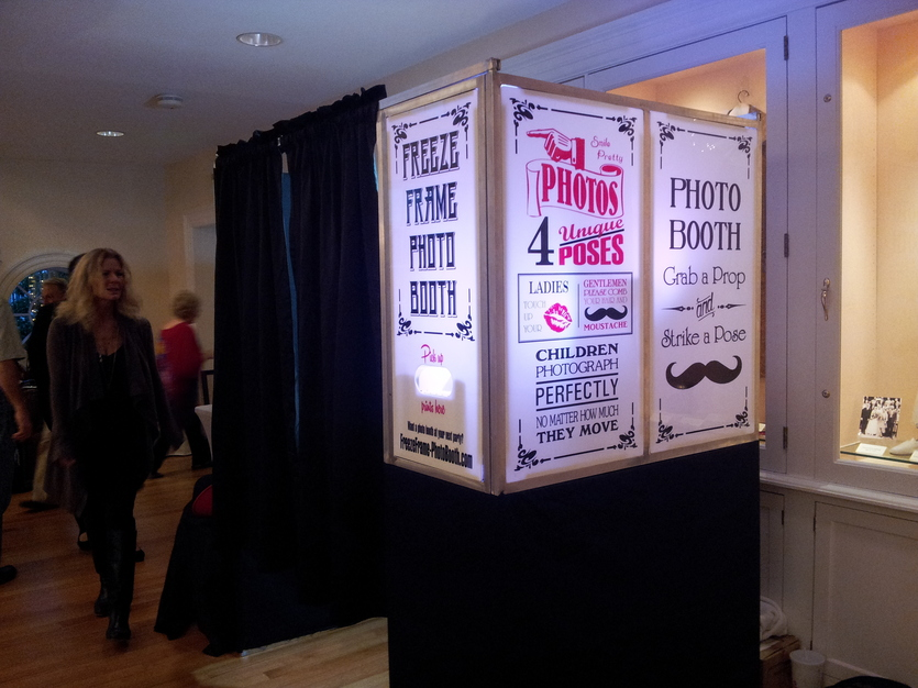 Freeze Frame Photo Booth - Best Wedding Photographers in Saint Joseph