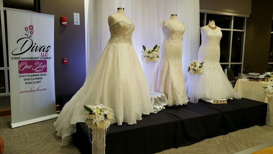 Divas closet bridal boutique best wedding dress for Wedding dress rental kansas city