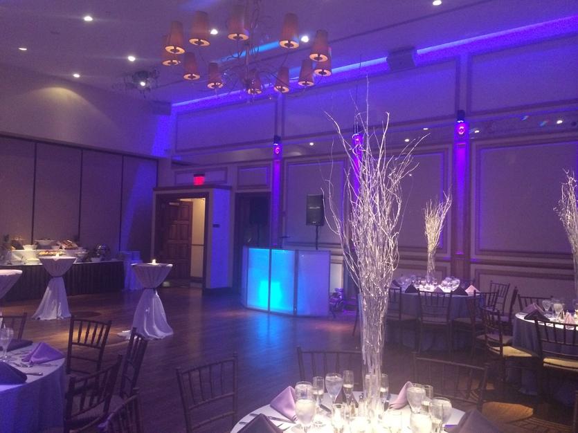 DJ in Union City - Jeron Music Entertainment: Wedding DJ & Photo Booth