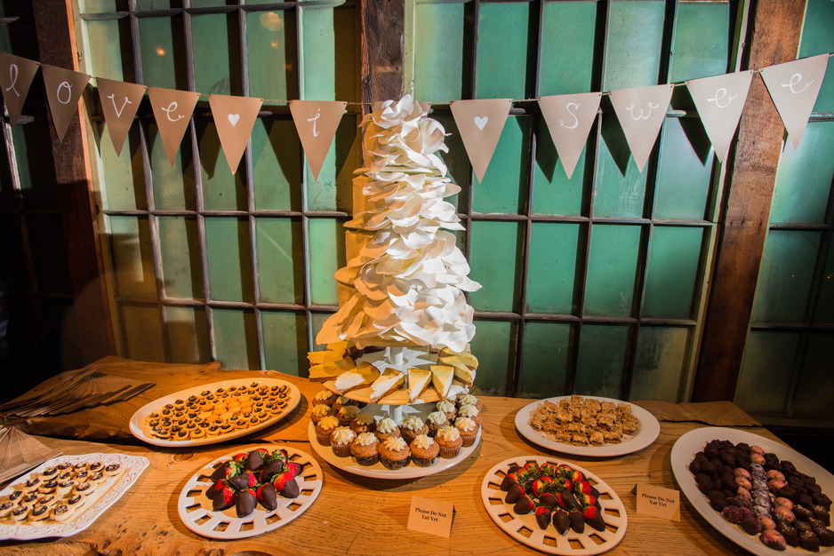Caterers in Seattle - Emerald City Cakes and Chocolates