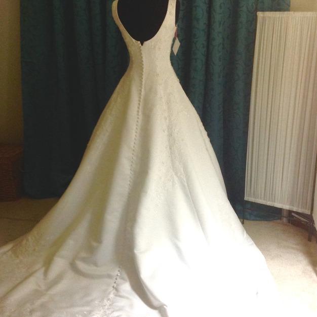 Dress & Apparel in Raleigh - Details  A wedding thrift