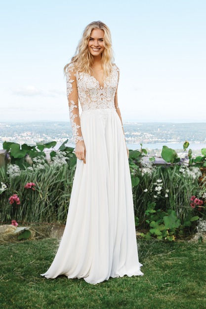 Dress & Apparel in Frisco - The Blushing Bride boutique