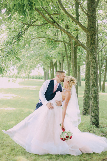 Skeffington 39 s formal wear best wedding dress apparel for Wedding dress cleaning des moines