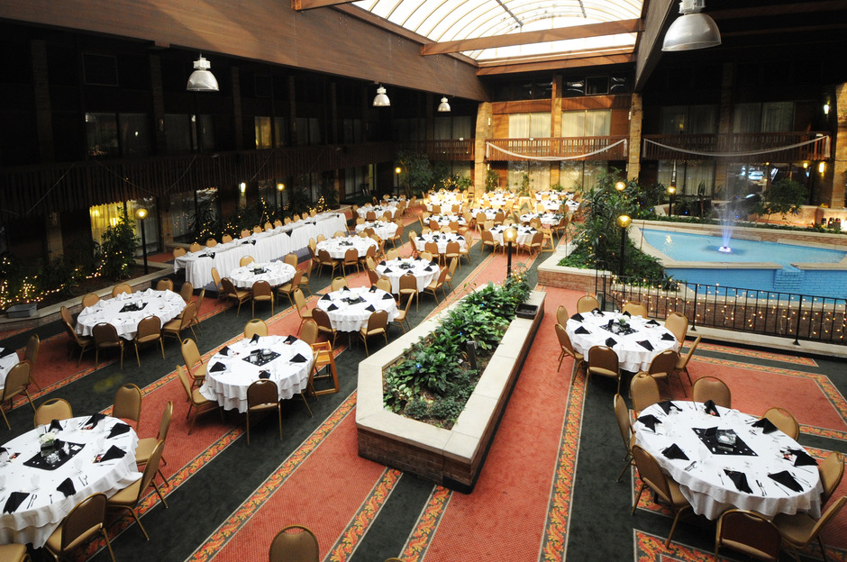 Quality Inn Conference Center Tropical Courtyard Best Wedding