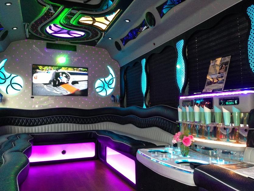 Transportation in Danbury - Green Light Limousine