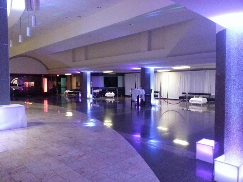 DJ in Springfield - Dj Craig G Top Floor Light And Sound