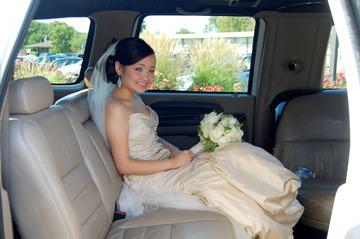 Bride nude in car