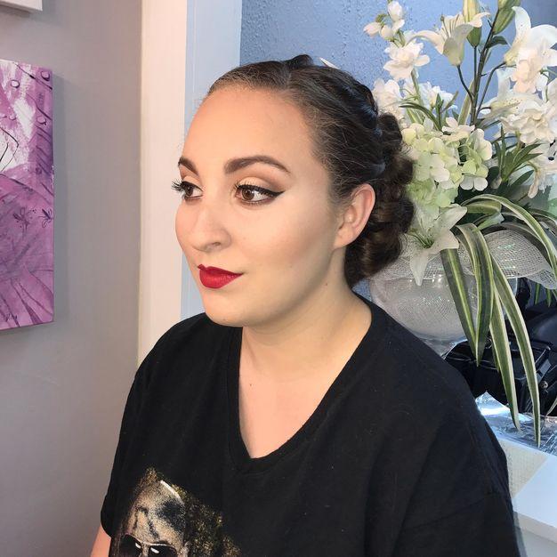 Make-up / Hair Stylists in Bethlehem - Vanesa Oliver Beauty