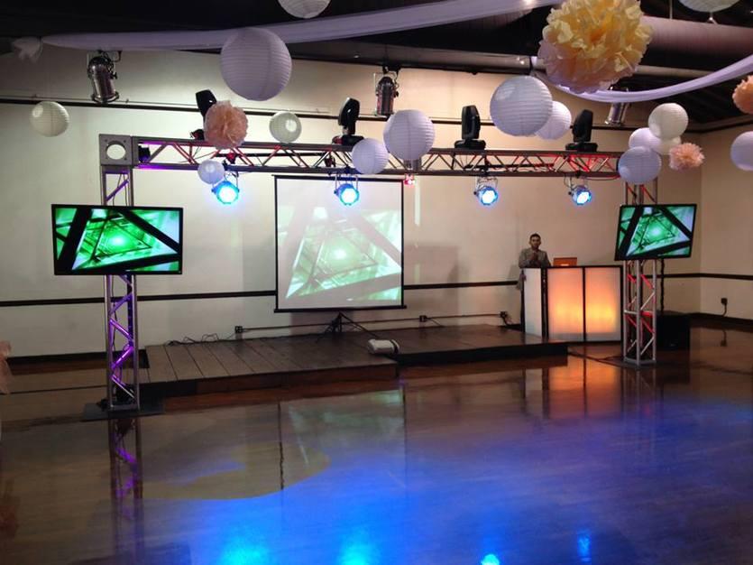The dj center best wedding dj in fontana dj in fontana the dj center solutioingenieria Image collections