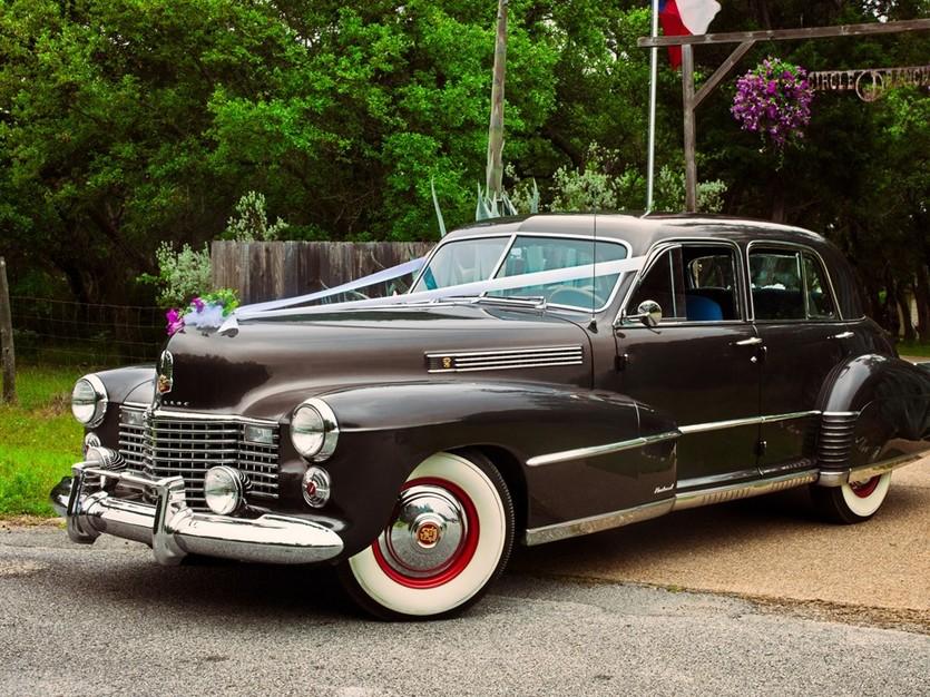 Transportation in Austin - Circle J Vintage Cars, LLC