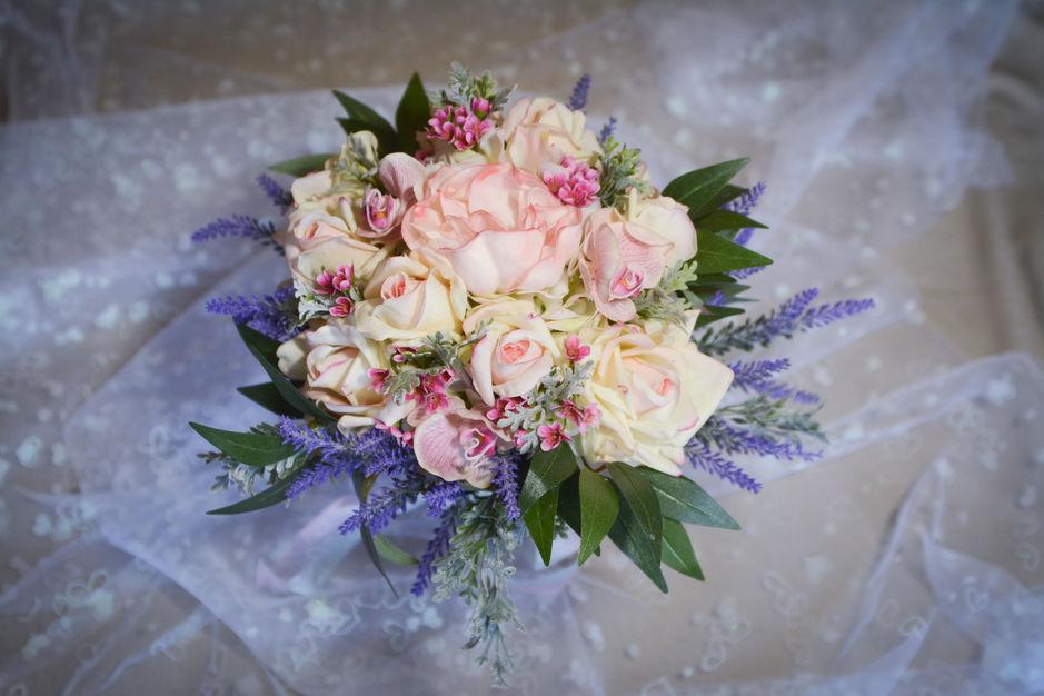 Florists in Bellmore - Carolyn's Keepsake Bouquets