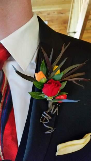 He loves me flowers best wedding florists in colorado springs florists in colorado springs he loves me flowers mightylinksfo