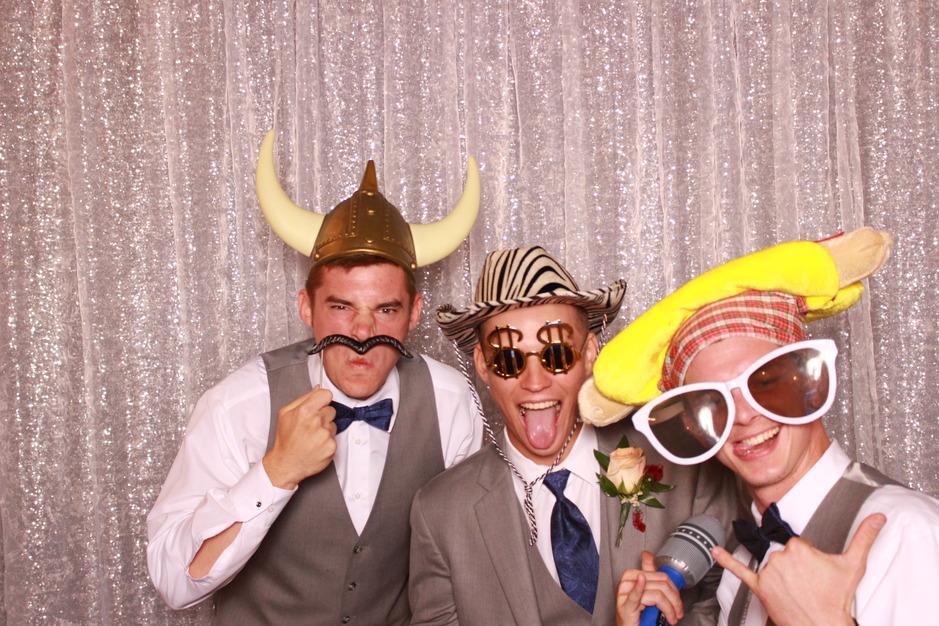 Photographers in Cortland - Selfie Scene, LLC