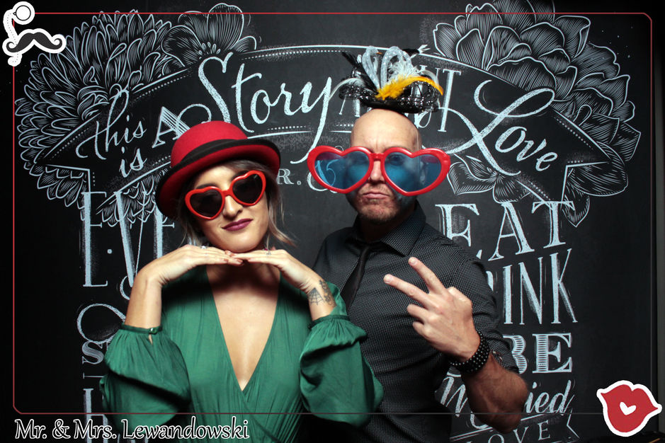 Photographers in North Las Vegas - Smash Booth, Professional Photo Booth & Magic Mirror Rentals