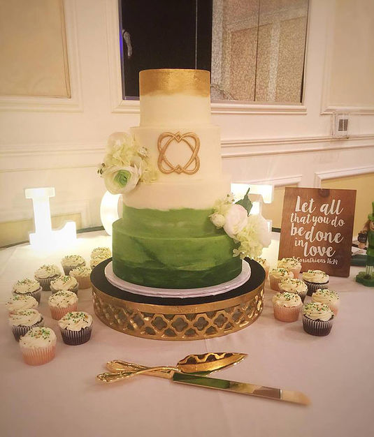 Crumbles Cake Company - Best Wedding Cake in Gainesville