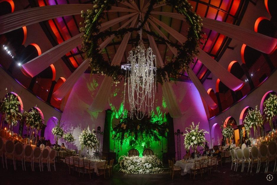 DJ in El Paso - Ukyrent Professional Event Lighting & Ukyrent Professional Event Lighting - Best Wedding DJ in El Paso