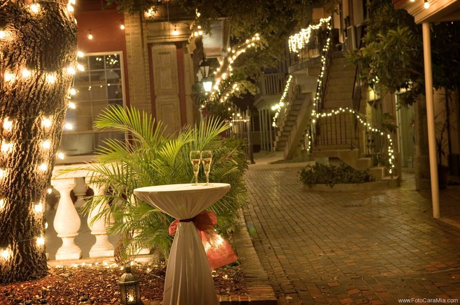 The Courtyard At Gaslight Square Best Wedding Reception Location
