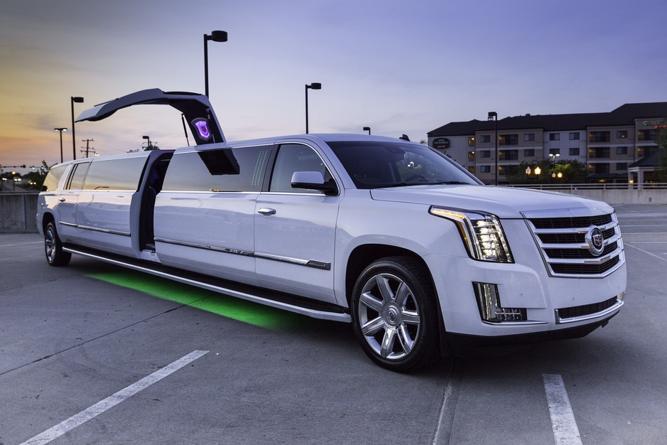 Transportation in Springfield - A 1 LIMO & TOURS