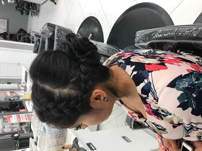 Make-up / Hair Stylists in Newington - RockPaperScissors