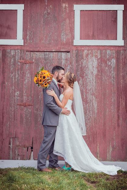 Photographers in Louisville - Barn Door Photography