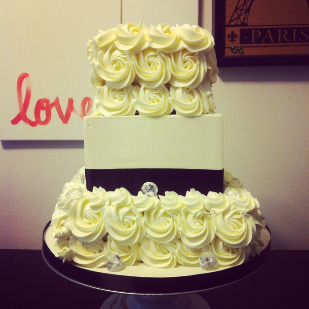 Cake\'tique Custom Cakes - Best Wedding Cake in Cleveland