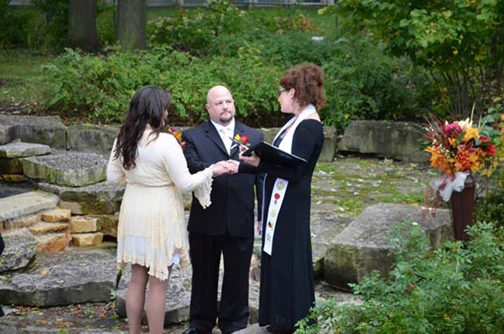 Officiants in Chicago - Your Location Or Mine! IL Wedding Officiant