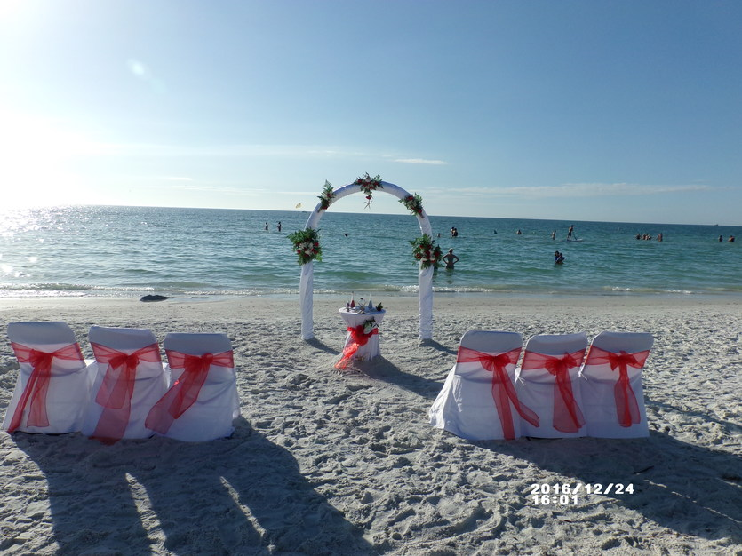 Beach Wedding For Every Budget
