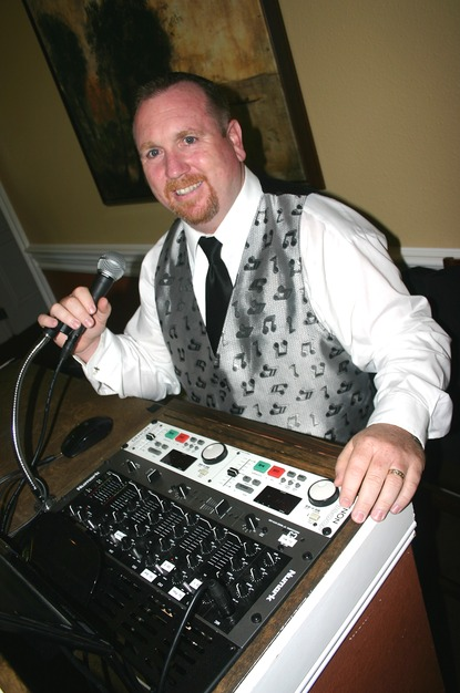 DJ in Brentwood - (D.E.A.) Daley Entertainment Agency