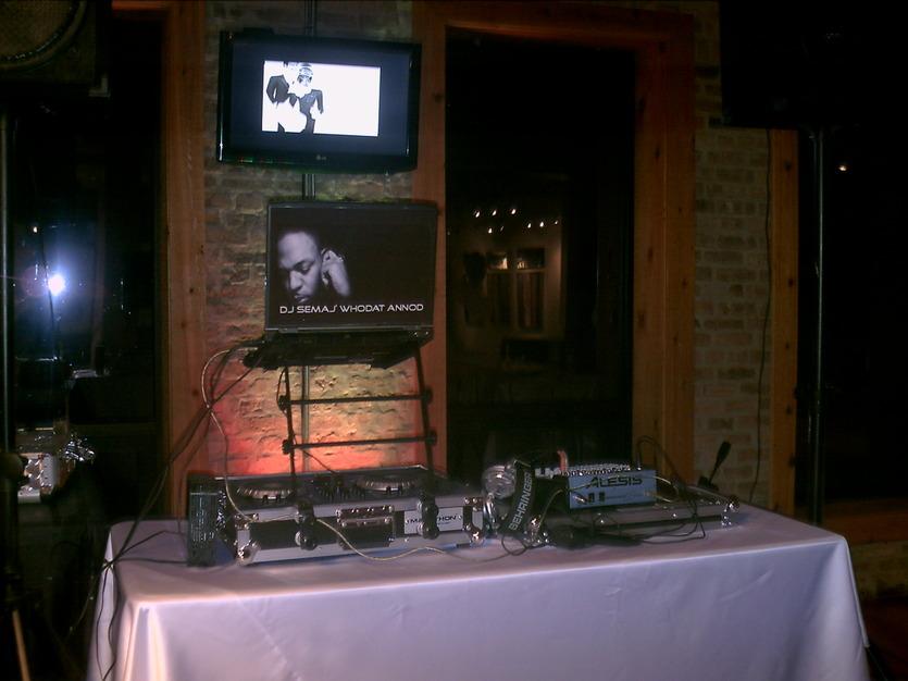DJ in Berwyn - Mo'Noize Entertainment