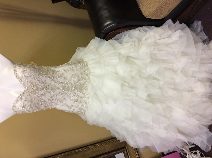 Dg 39 s bridal consignment boutique best wedding dress for Wedding dress baton rouge