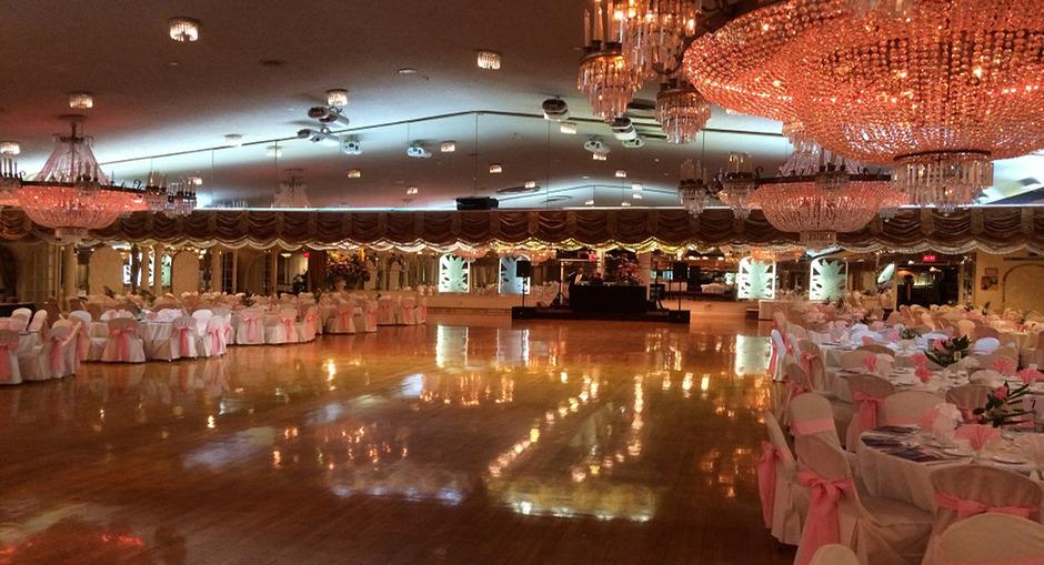 Astoria world manor best wedding reception location for Best wedding locations nyc