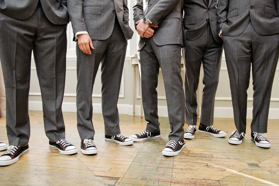 89015649982d What do you think about the groom wearing converse in a wedding  Are the  groomsmen in your wedding doing something fun